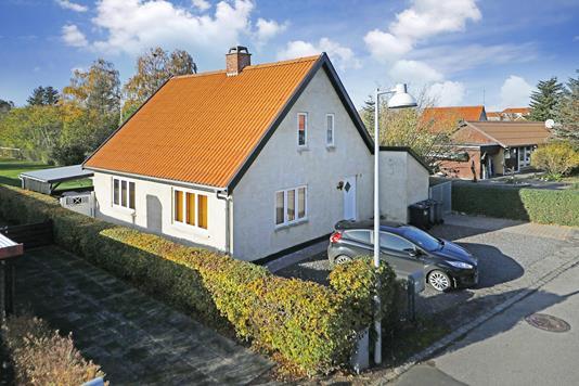 Villa på Poppelvej i Skævinge - Ejendommen