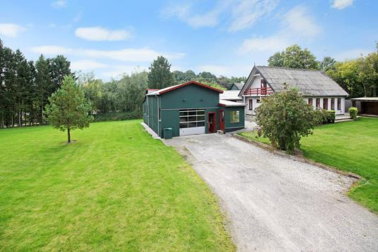 Villa på Uggeløse Skovvej i Lynge - Ejendommen