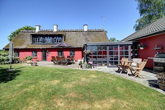 Villa på Bastrupvej i Lynge - Ejendommen