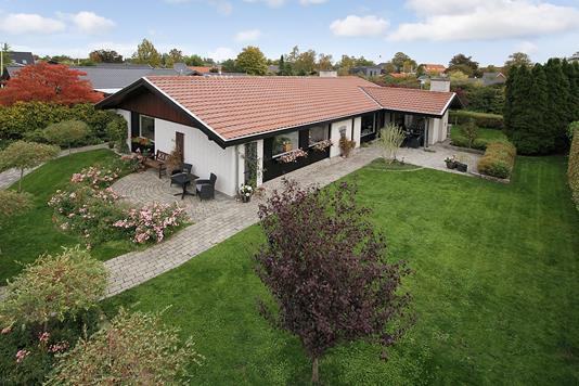Villa på Solbærvej i Allerød - Ejendommen