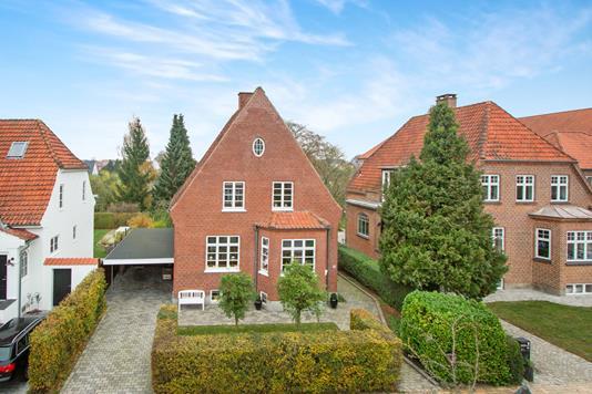 Villa på Hannerupgårdsvej i Odense M - Ejendommen