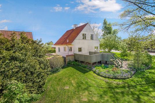 Villa på Strandholtvej i Odense N - Ejendom 1