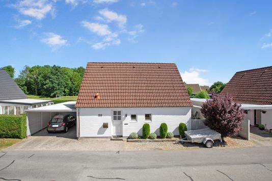 Villa på Sneglehatten i Odense SØ - Ejendommen