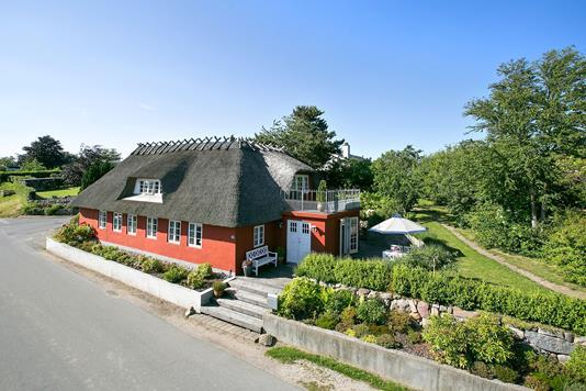 Villa på Løgervej i Bjert - Ejendommen