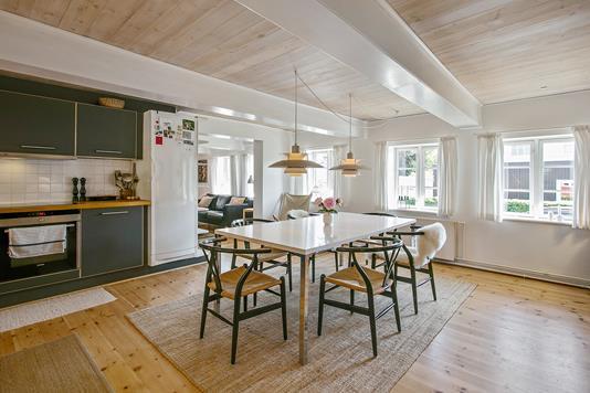 Villa på Løgervej i Bjert - Spisestue