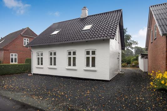 Villa på Præstediget i Sønder Stenderup - Ejendommen