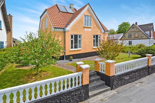 Villa på Skodsbølvej i Broager - Ejendommen