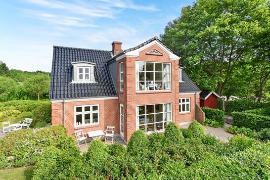 Villa på Hasselbjerg i Gråsten - Ejendommen
