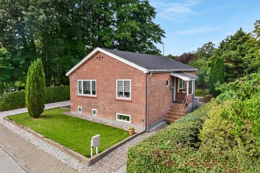 Villa på Kirkegårdsvej i Gråsten - Ejendom 1