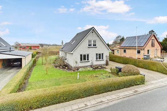 Villa på Dyntvej i Broager - Ejendommen