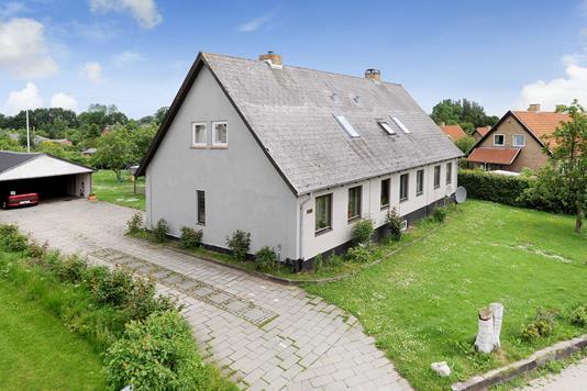 Villa på Nederbyvej i Gråsten - Ejendommen