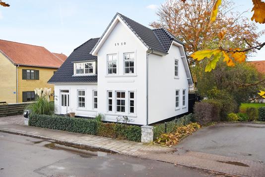 Villa på Elleygade i Gråsten - Ejendommen