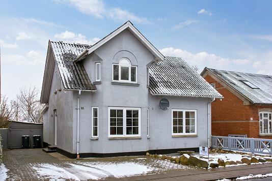 Villa på Storegade i Tistrup - Set fra vejen