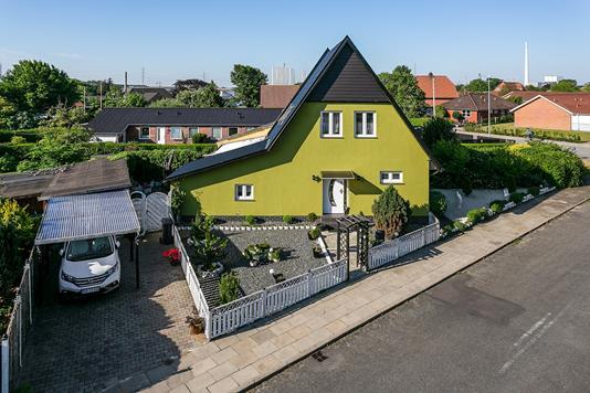 Villa på Skolebakken i Esbjerg - Ejendommen