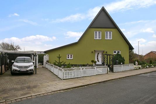 Villa på Skolebakken i Esbjerg - Set fra vejen