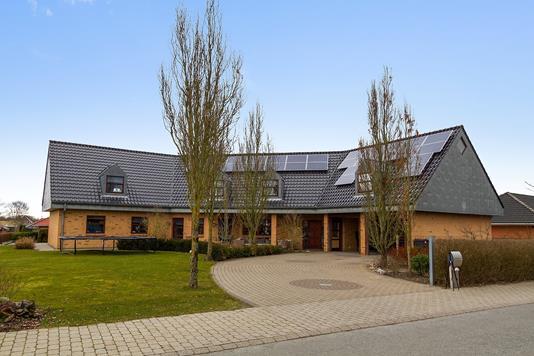 Villa på Nørrevang i Tistrup - Ejendommen