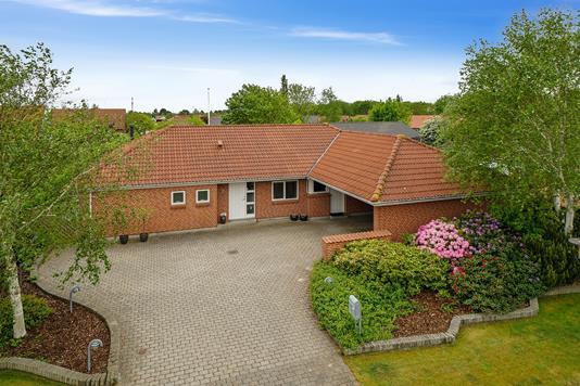 Villa på Skonnerten i Esbjerg V - Set fra vejen