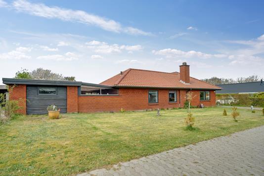 Villa på Ålykken i Esbjerg V - Set fra vejen