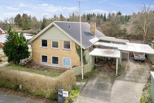 Villa på Krusbjergvej i Ølgod - Set fra vejen