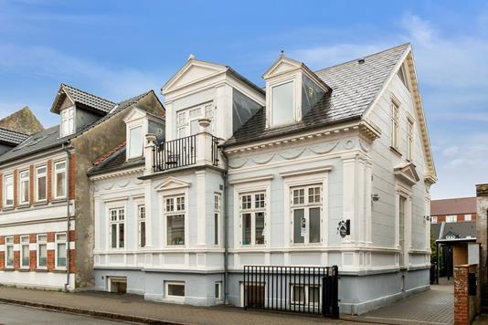 Villa på Danmarksgade i Esbjerg - Set fra vejen