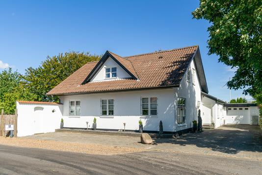 Villa på Refshedevej i Bramming - Set fra vejen