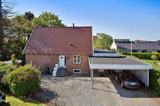 Villa på Mølhøjvej i Esbjerg Ø - Set fra vejen