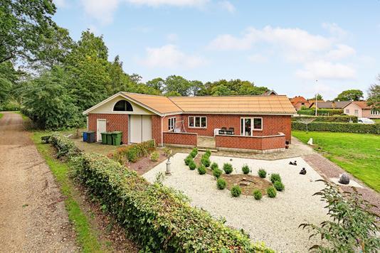 Villa på Baunhøjvej i Oksbøl - Ejendommen