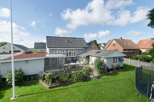 Villa på Krusbjergvej i Ølgod - Ejendommen