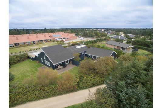 Villa på Fyrvej i Blåvand - Ejendommen