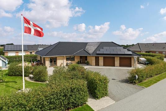 Villa på Vadgårdsvej i Nørre Nebel - Ejendommen