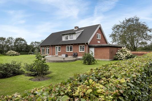 Villa på Tinghøjvej i Hemmet - Ejendommen