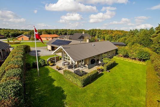Villa på Liljekonvallen i Holstebro - Ejendommen