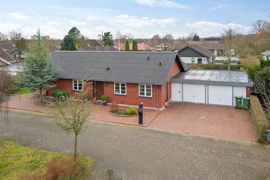Villa på Vald Poulsens Vej i Holstebro - Ejendommen