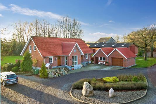 Villa på Fjald i Holstebro - Set fra vejen