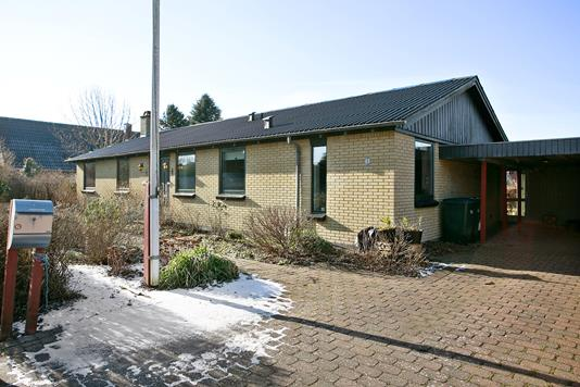Villa på Stationsvej i Sørvad - Ejendommen