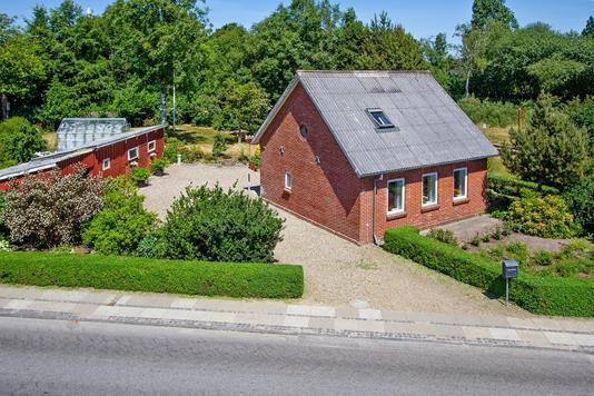 Villa på Hovedgaden i Holstebro - Set fra vejen