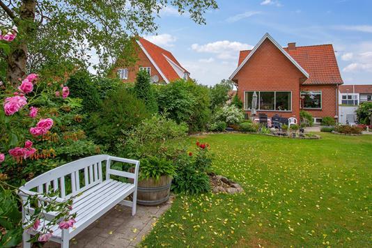 Villa på Skovbakken i Holstebro - Set fra haven