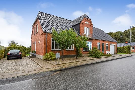 Villa på Langgade i Sørvad - Ejendommen