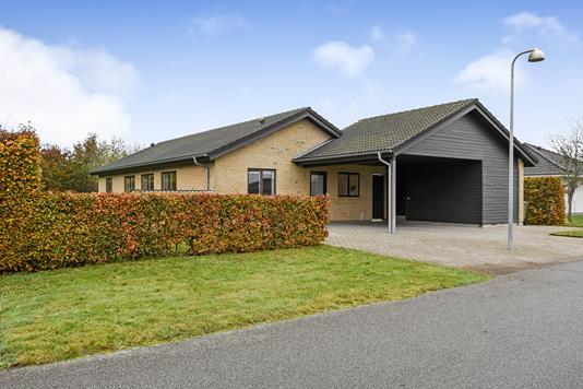 Villa på Fløjlsgræsset i Holstebro - Ejendommen
