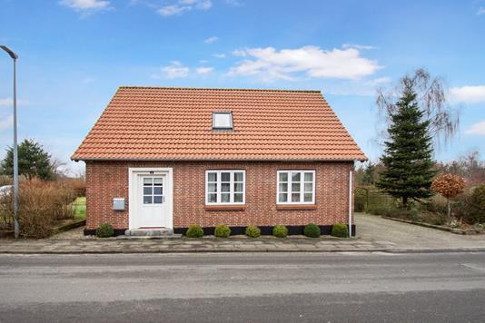 Villa på Møllegade i Holsted - Ejendommen