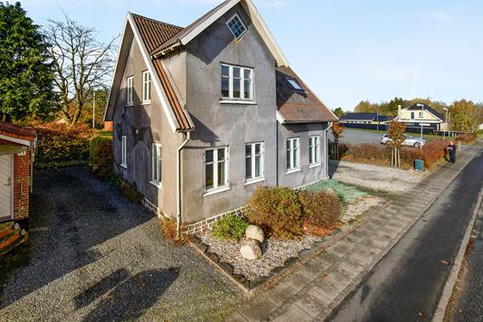 Villa på Storegade i Holsted - Ejendommen