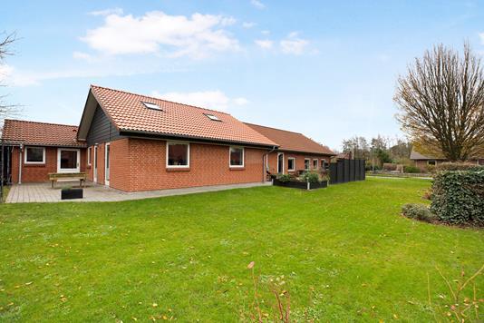 Villa på Overmarken i Holsted - Ejendommen