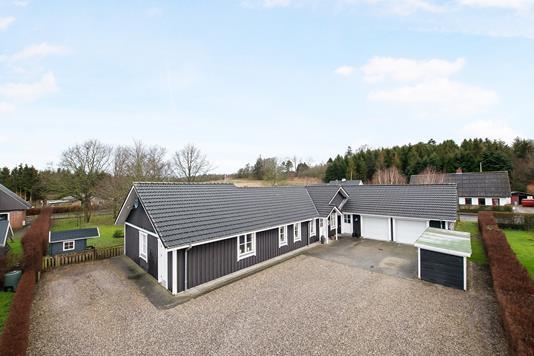 Villa på Kirkevænget i Møldrup - Ejendom 1