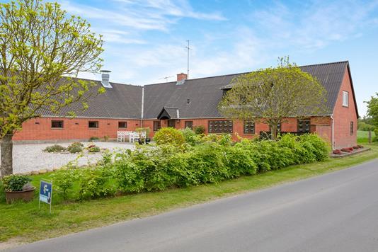 Landejendom på Kølsenvej i Løgstrup - Ejendommen
