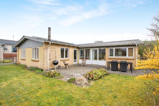 Villa på Østergade i Løgstrup - Ejendommen