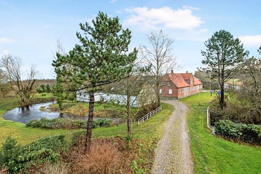 Landejendom på Skivevej i Løgstrup - Ejendom 1