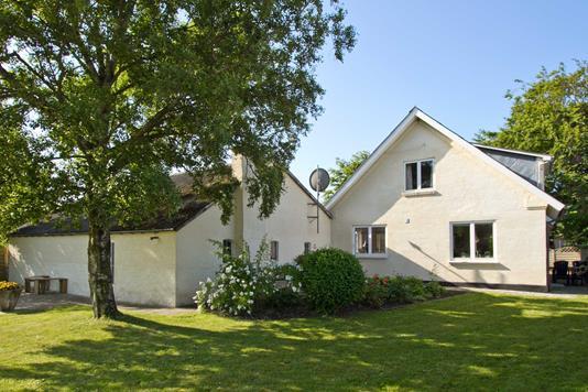 Villa på Rybjergvej i Roslev - Ejendommen