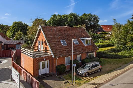 Villa på Kjeldbjergvej i Skive - Set fra vejen