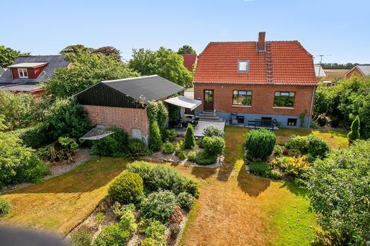 Villa på Lånumvej i Stoholm Jyll - Set fra haven