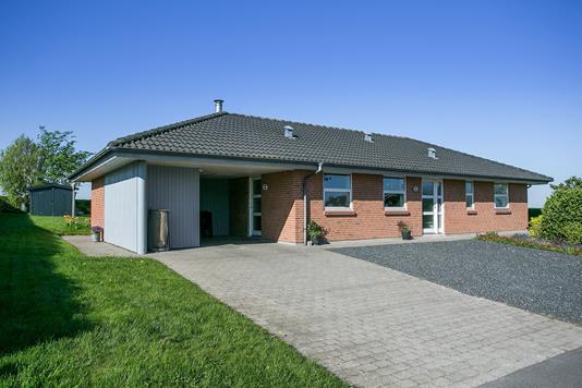 Villa på Trenmosevej i Løgstrup - Ejendommen